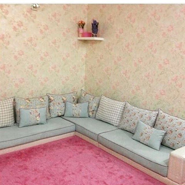 Instagram Photo By اثاث ومفروشات Apr 18 2016 At 2 41pm Utc Floor Seating Living Room Living Room Decor Cozy Sofa Decor