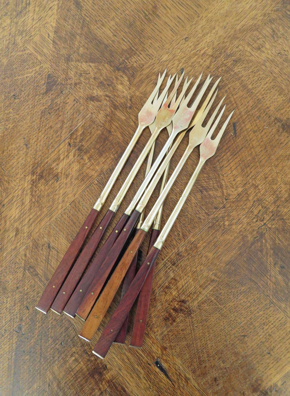 Vintage 60s set of 7 fondue forks with teak handles