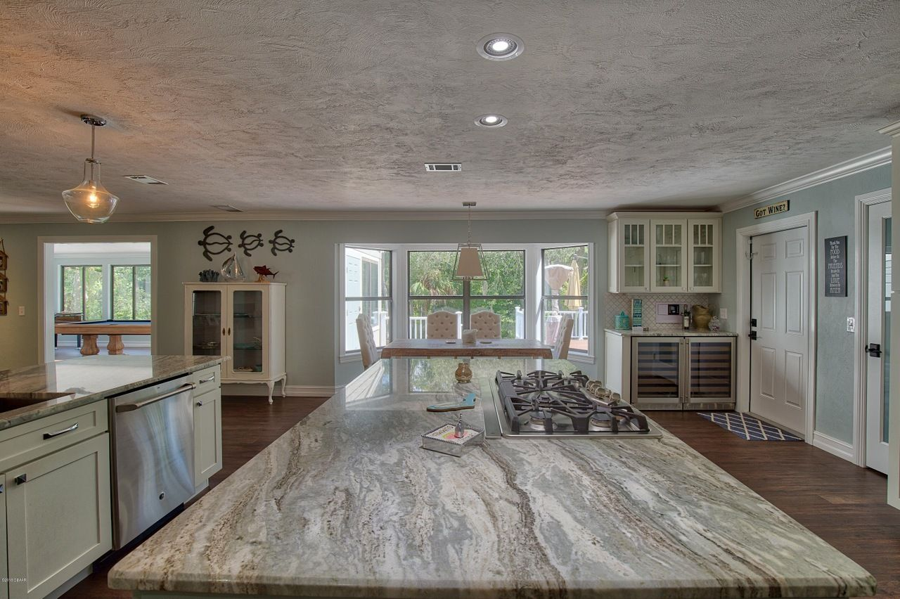 3 Circle Oaks Trl, Ormond Beach, FL 32174 5 beds/5 baths