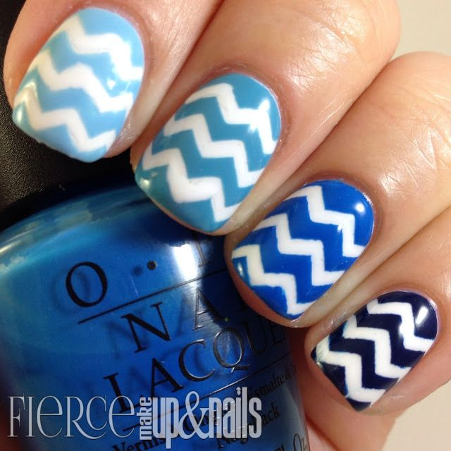 The Digital Dozen does Monochromatic: Blue Chevrons