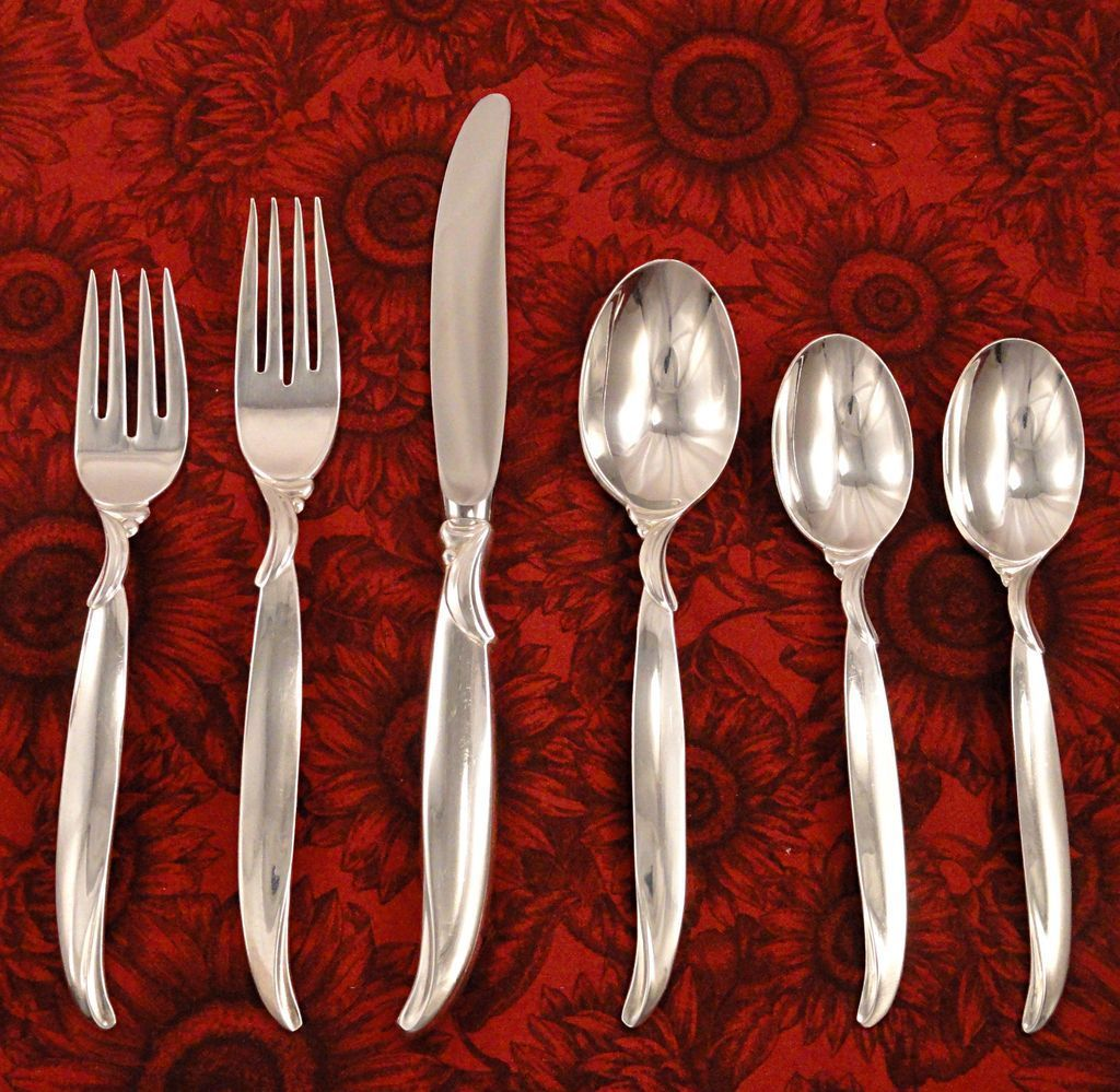 GARLAND  DINNER KNIVES  SILVER PLATE SET OF  4    1847  ROGERS BROS