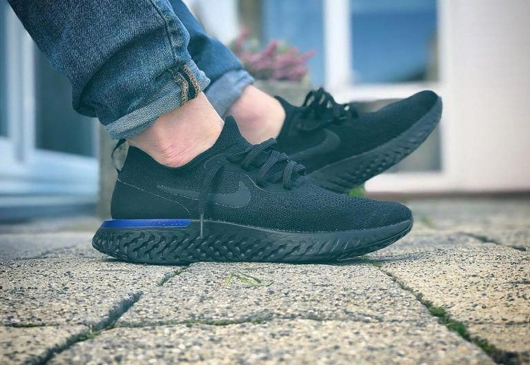online store 9fc70 ff43d Nike Epic React Flyknit noire Black Racer Blue AQ0067-004   MensFashionSneakers