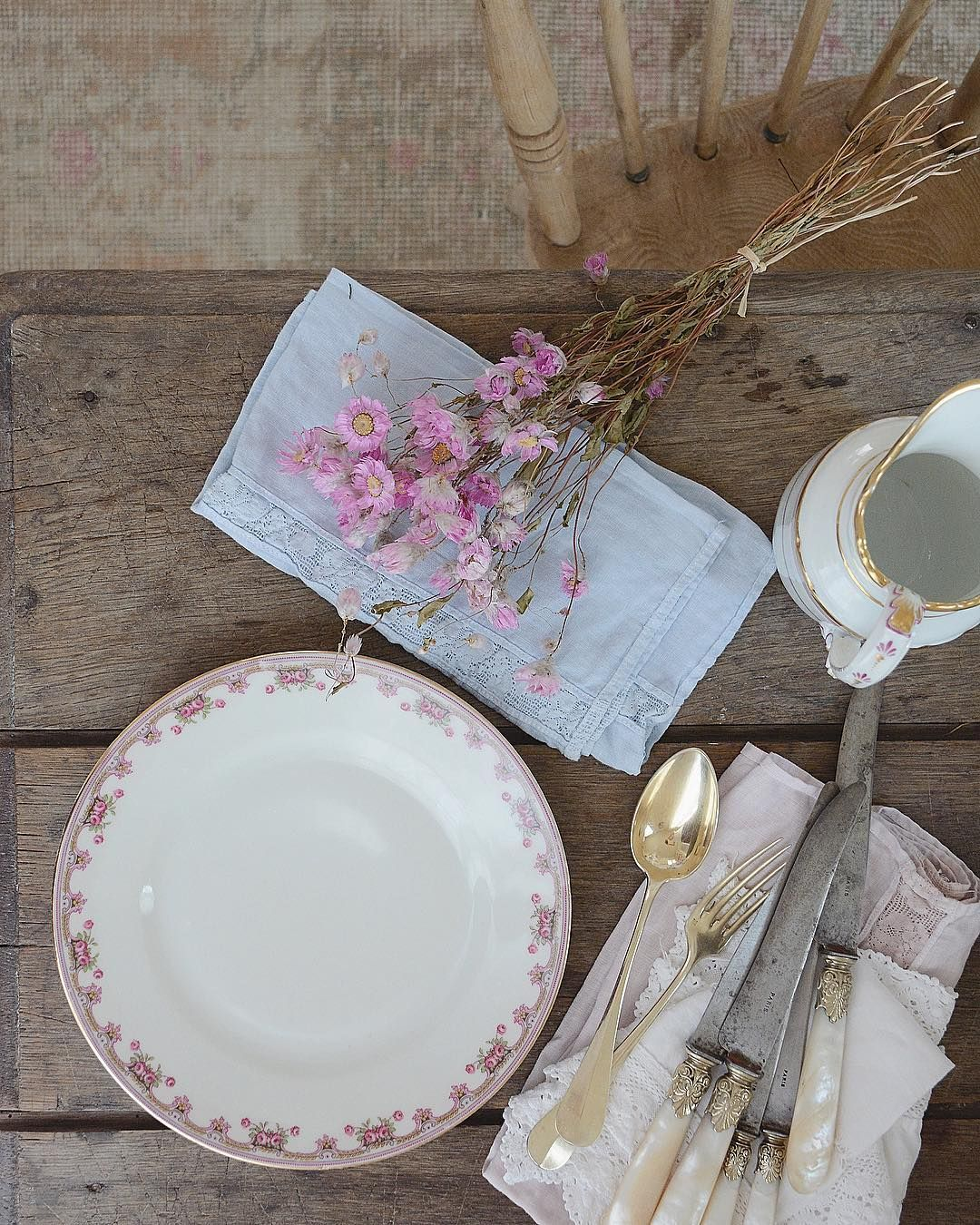 Shabby Whites Ig Pretty Tablescapes Romantic Kitchen Rachel Ashwell Shabby Chic