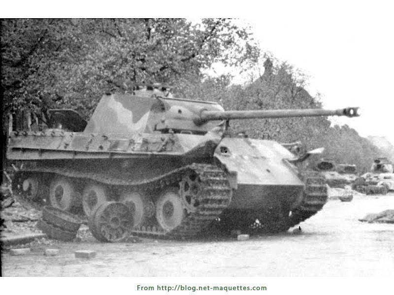 panther on road hatch down worldwar2 tanks
