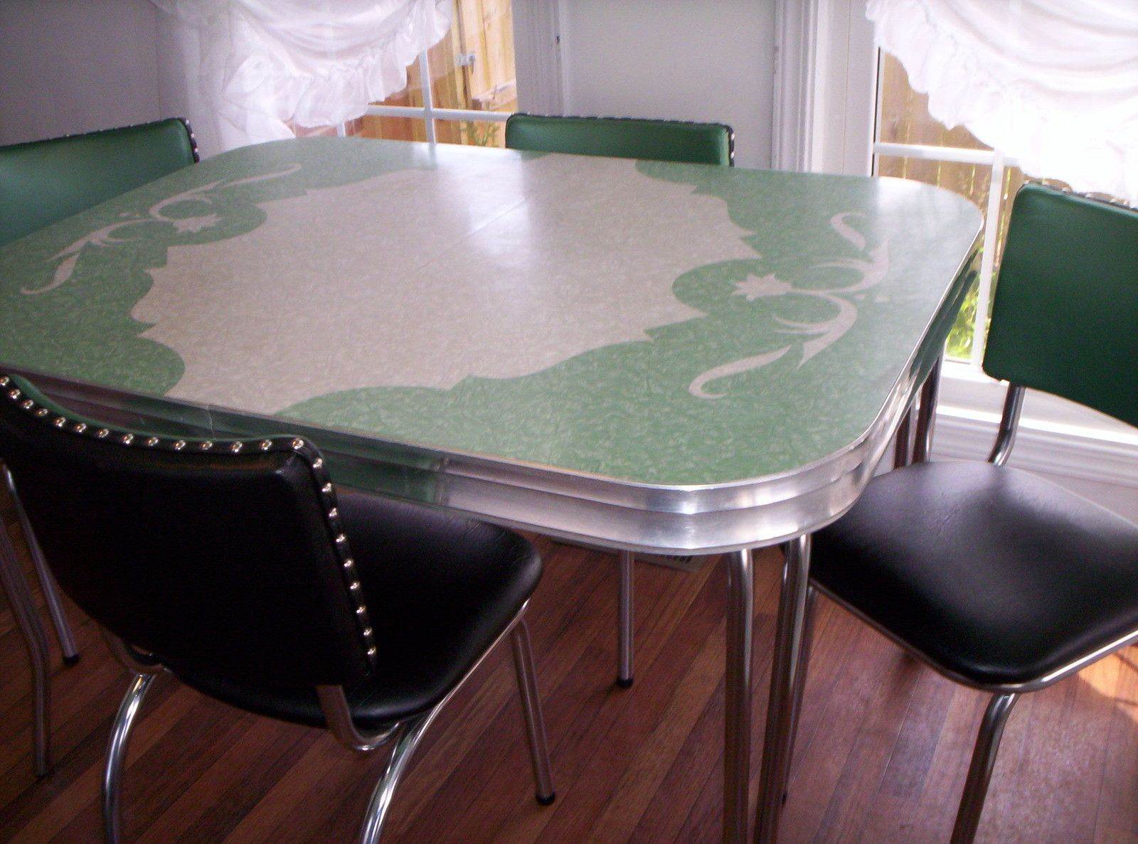Vintage kitchen table formica - Vintage Kitchen Formica Table Leaf 4 Chairs Jade Ite Green Grey Cracked Ice