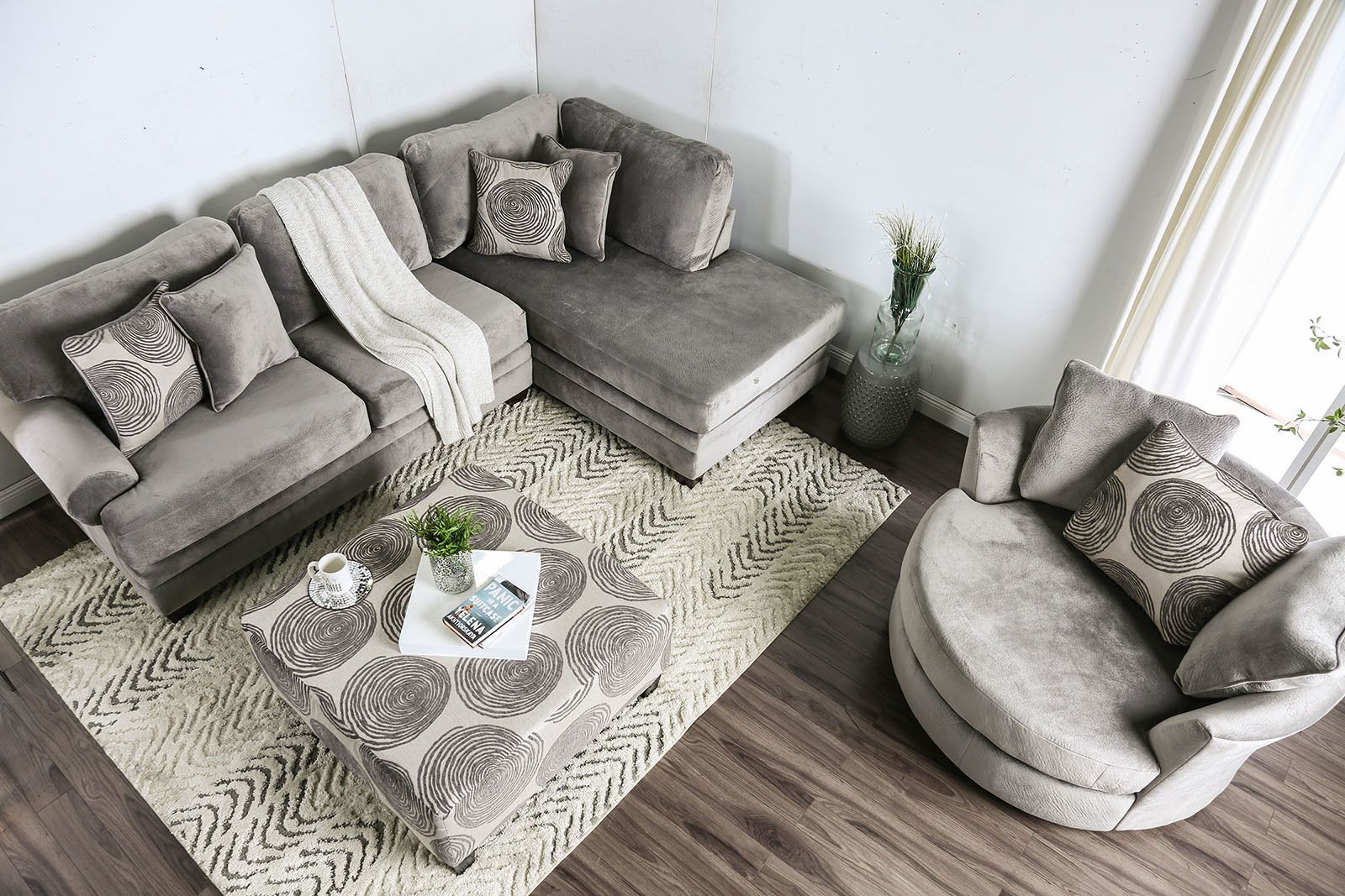 Best Bonaventura Gray Sectional Sofa In 2020 Large Sectional 400 x 300
