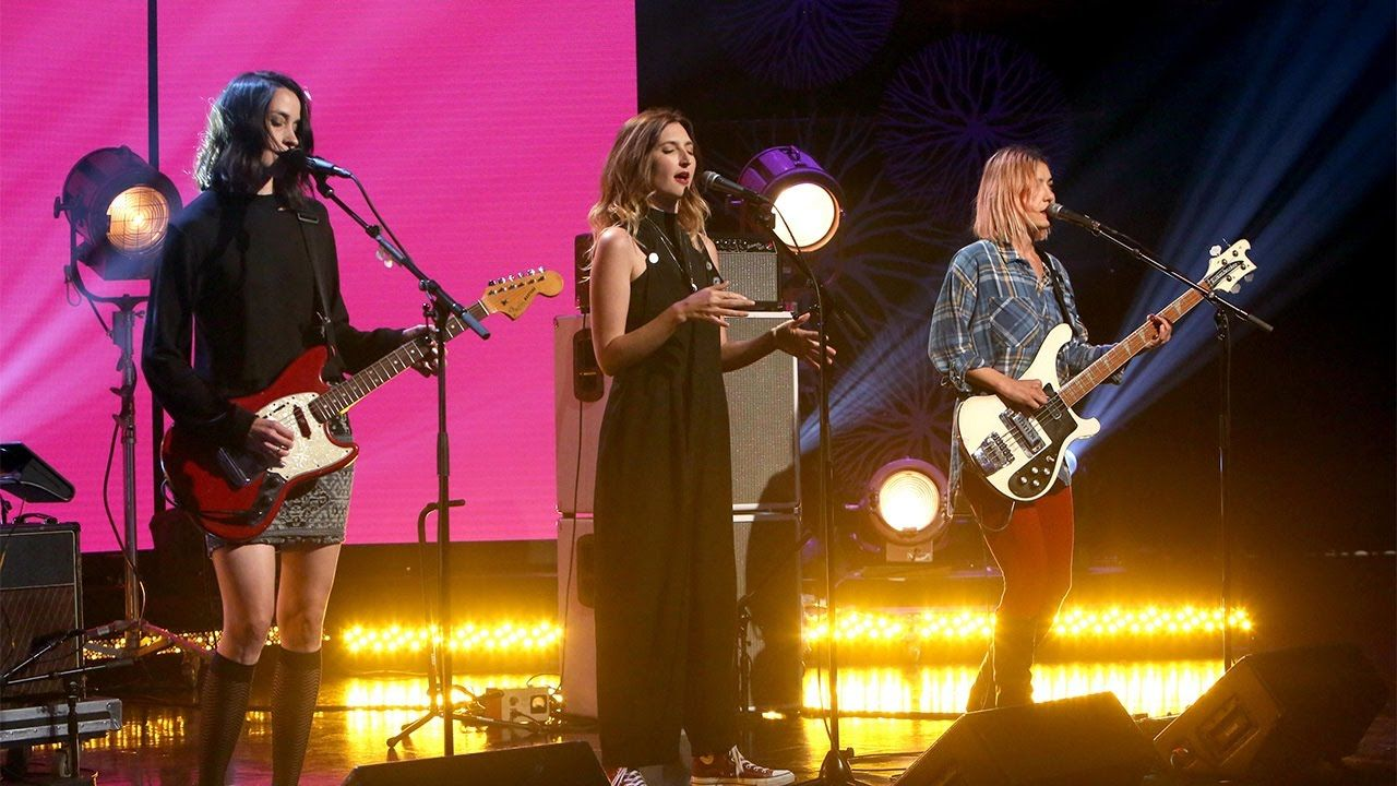 Warpaint Performs Whiteout Concert Performance Music