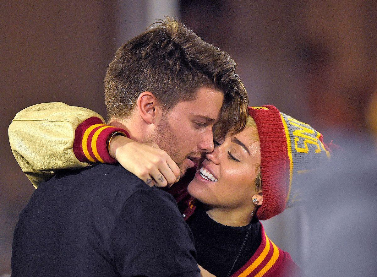 Who is dating arnold schwarzenegger son