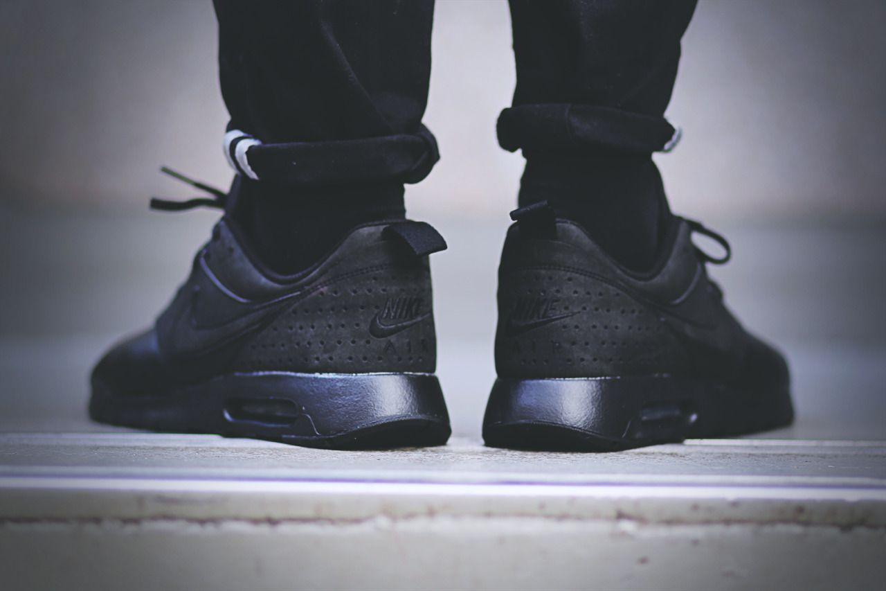 Nike Air Max Tavas Leather (via Kicks-daily.com)