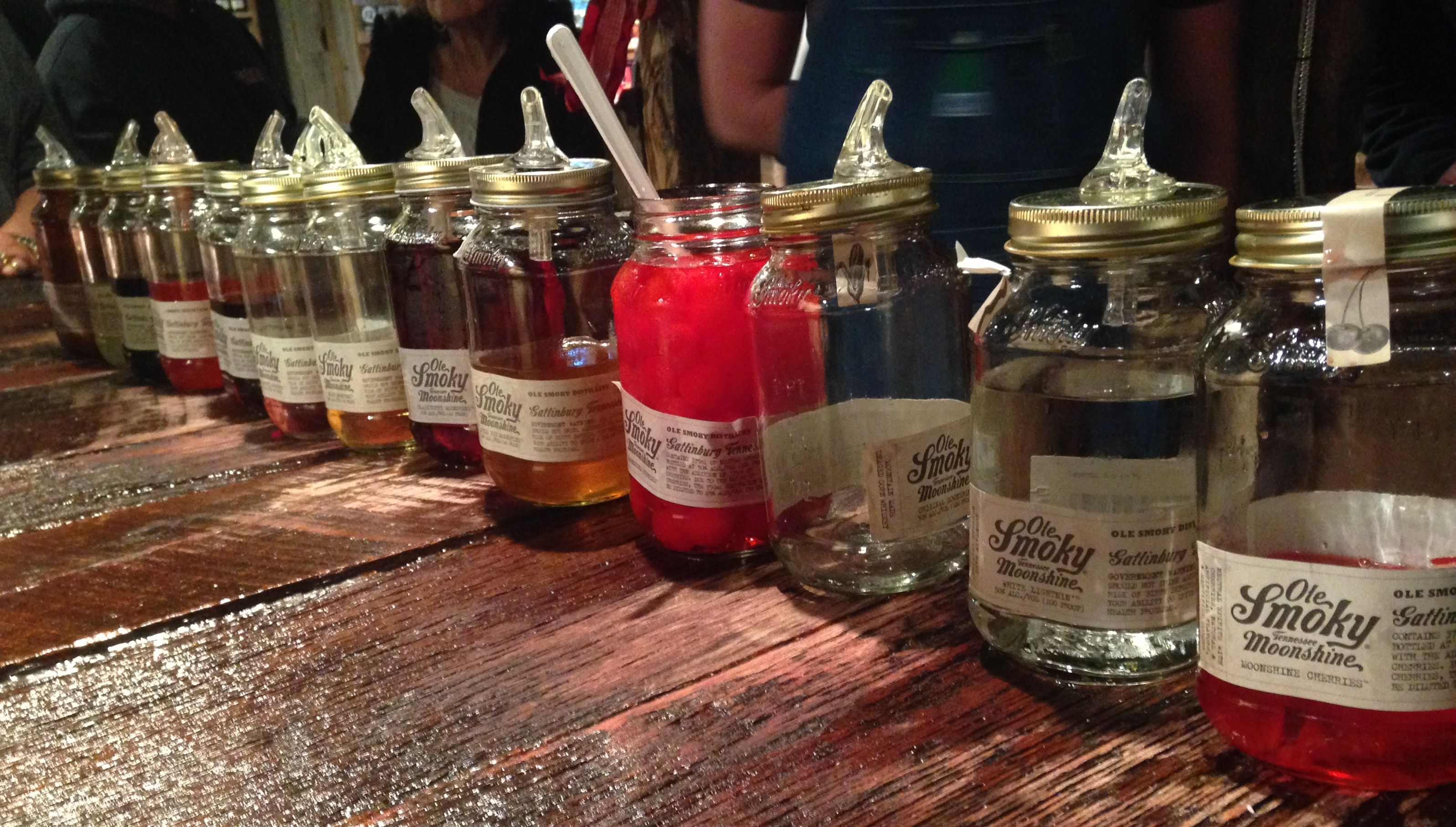 Fun Times Had At Ole Smoky Moonshine The Moonshine Sampling Bar Gatlinburg Tn Across The Street From Th Ole Smoky Moonshine Snowcream Recipe Cream Recipes