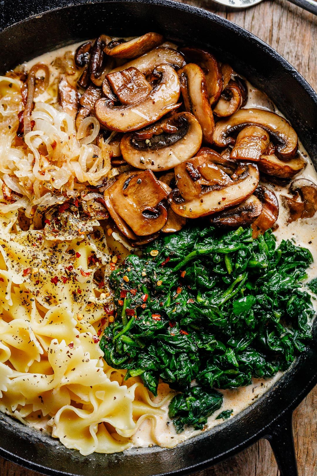 One-Pot Garlic Parmesan Pasta Recipe with Spinach
