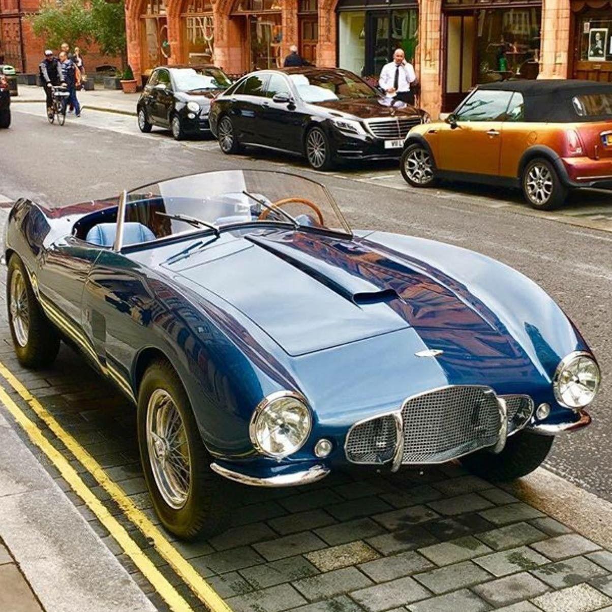 Aston Martin Mobil Klasik Aston Martin Mobil Mewah