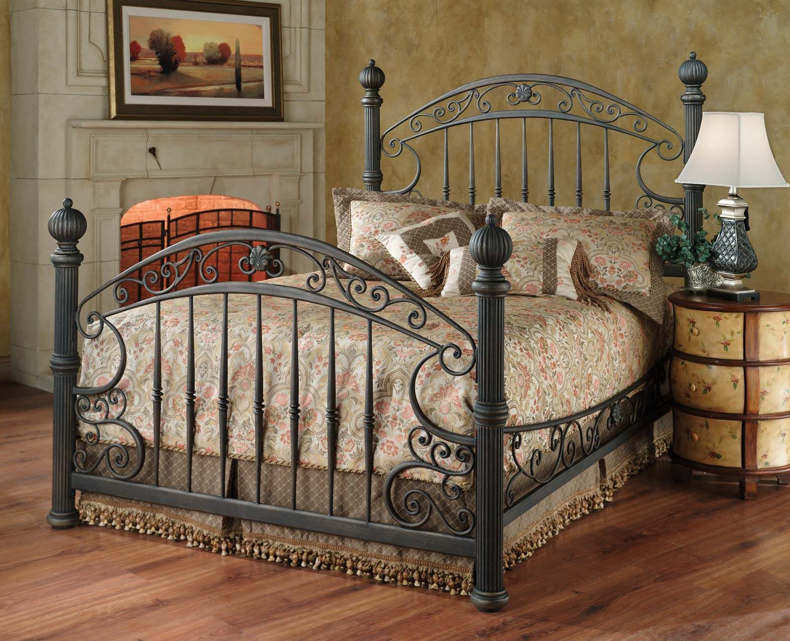 I Have A Thing For Four Poster Beds And I Love This One Wrought Iron Beds Iron Bed Frame Iron Bed