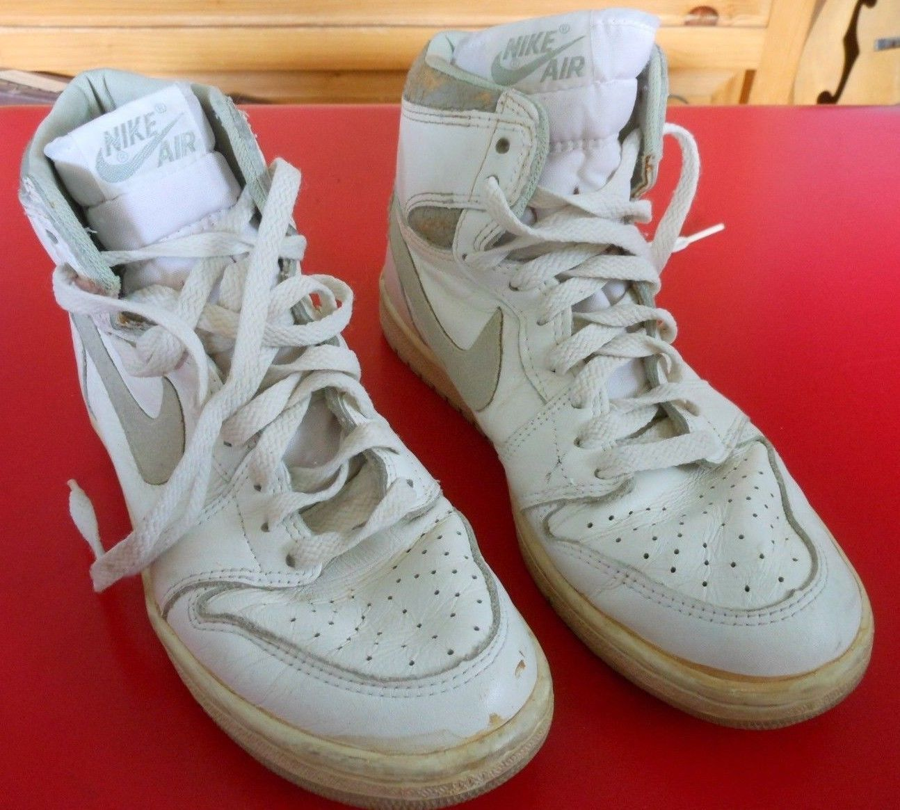 587502124d081e Vintage 1985 Nike Air Jordan 1 Original OG White   Neutral Grey Size 6.5  Shoes