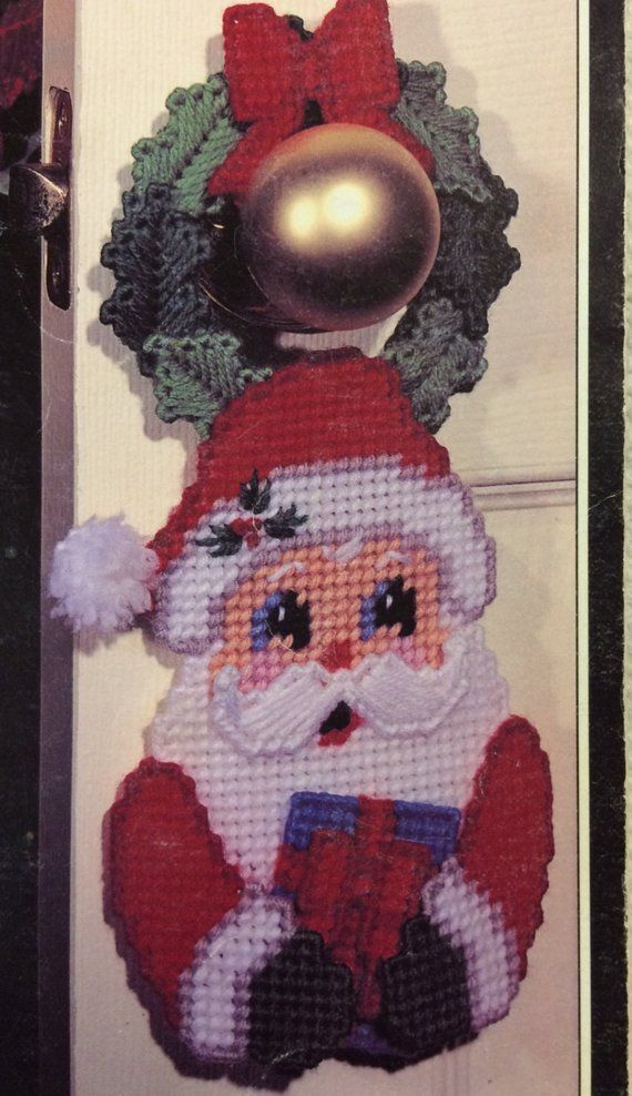 Santa doorknob hanger in plastic canvas