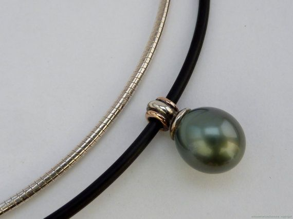 Tahitian pearl pendant in Sterling silver by MonumentsToCulture