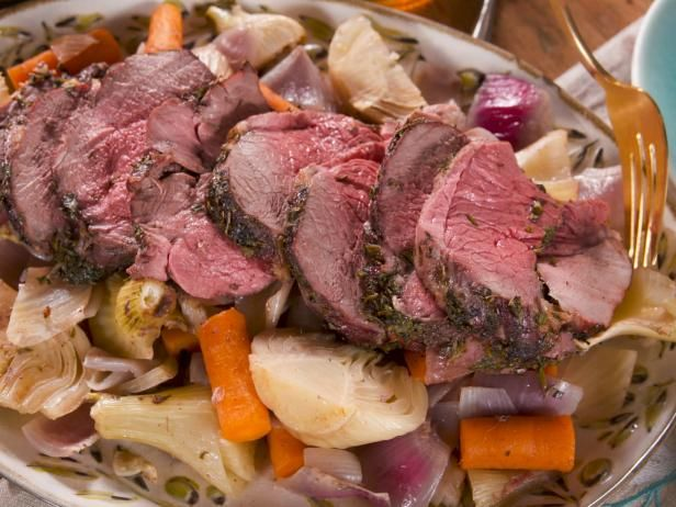 Honey-Braised Leg of Lamb with Carrots and Fennel #farmhouserulesrecipes