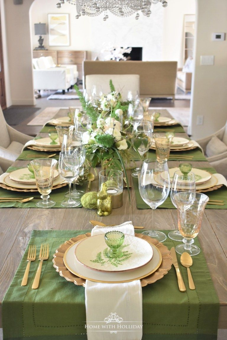 Apparecchiare Tavola In Terrazza green and gold easter table setting | easter table settings