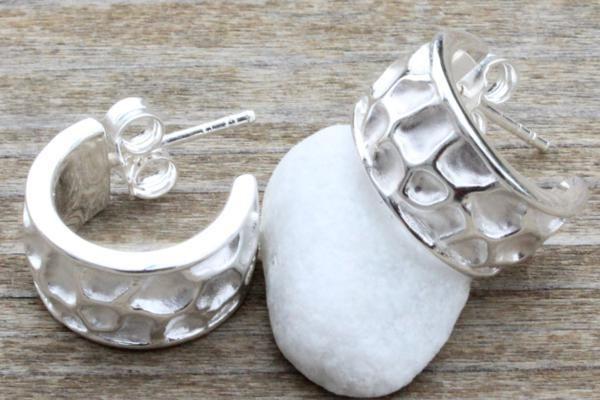 Ohrschmuck No. 70    925 Sterlingsilber  Oberfläche: matt / glänzend  Breite: 8 mm  Länge: 15 mm