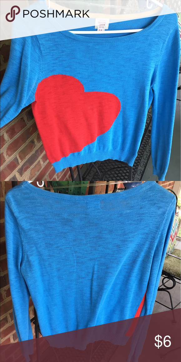 Heart sweater In great condition, super cute on. Sweaters Crew & Scoop Necks