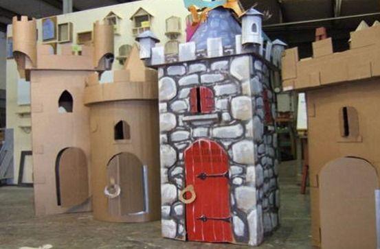 Castillos con cajas de cart n manualidades infantiles - Manualidades castillo medieval ...