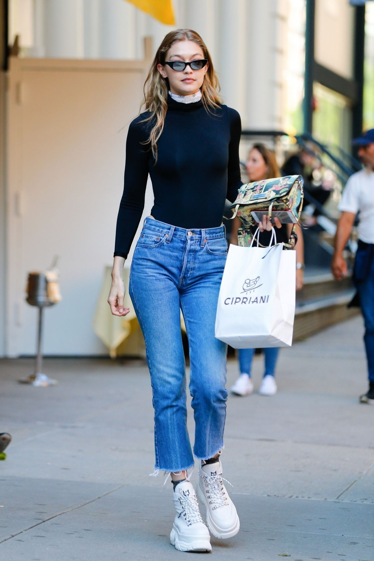Gigi Hadid Out in New York 06042018. #celebrity #fashion