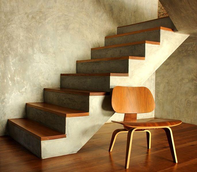 Een betonnen trap bekleden zorgt voor een totaal andere uitstraling welke materialen je kan - Moderne betonnen trap ...