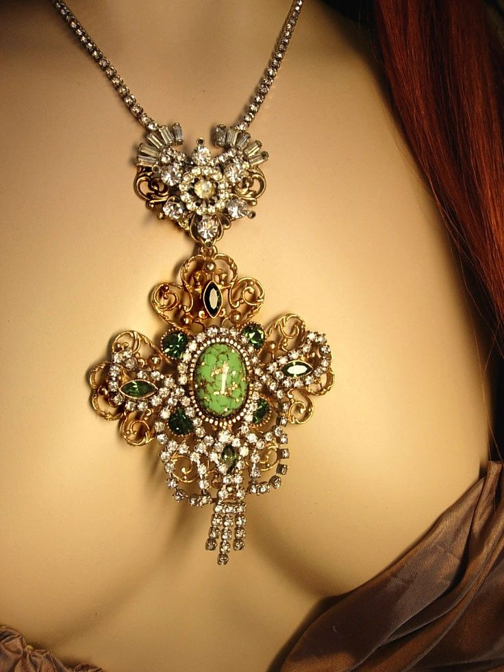 Blasts From the Past: How Historical Jewelry Is All The Rage