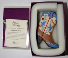 JUST THE RIGHT SHOE BY RAINE HOME ON THE RANGE 25095 WESTERN W/AUTHENTICITY