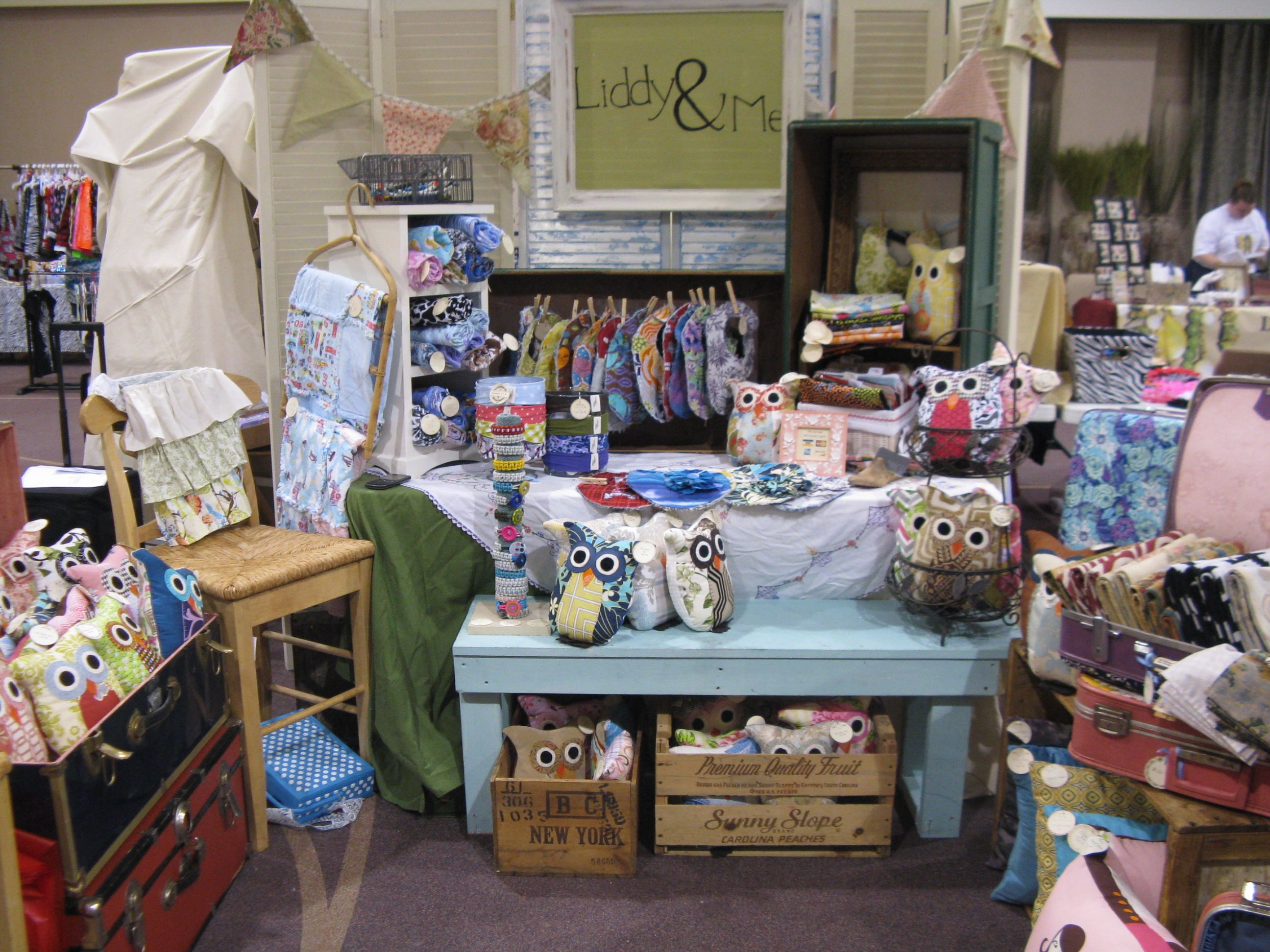 My jenks church craft show booth cute display ideas for Craft ideas for craft fairs