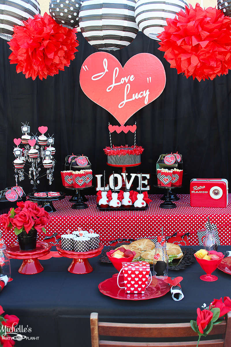 i love lucy themed party idea decoration for main table i love lucy valentines day birthday. Black Bedroom Furniture Sets. Home Design Ideas