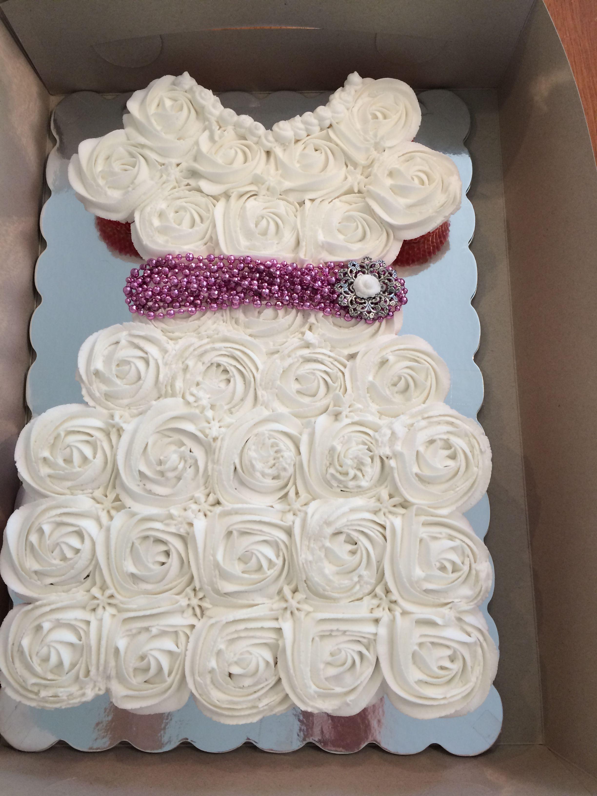 Walmart Bridal Shower Cakes : walmart, bridal, shower, cakes, Bridal, Shower, Cupcakes,, Simple, Walmart, Medallion, Hand., Si…, Cakes,