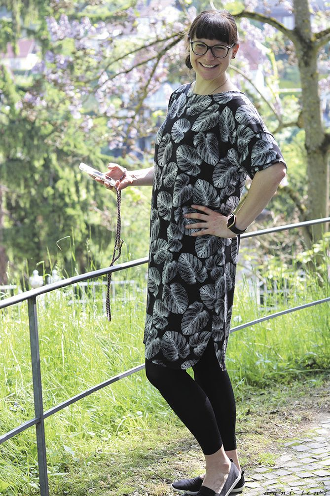 ännisews: Kleid Frau Meta aus Viskose *Hilco* | Kleider ...