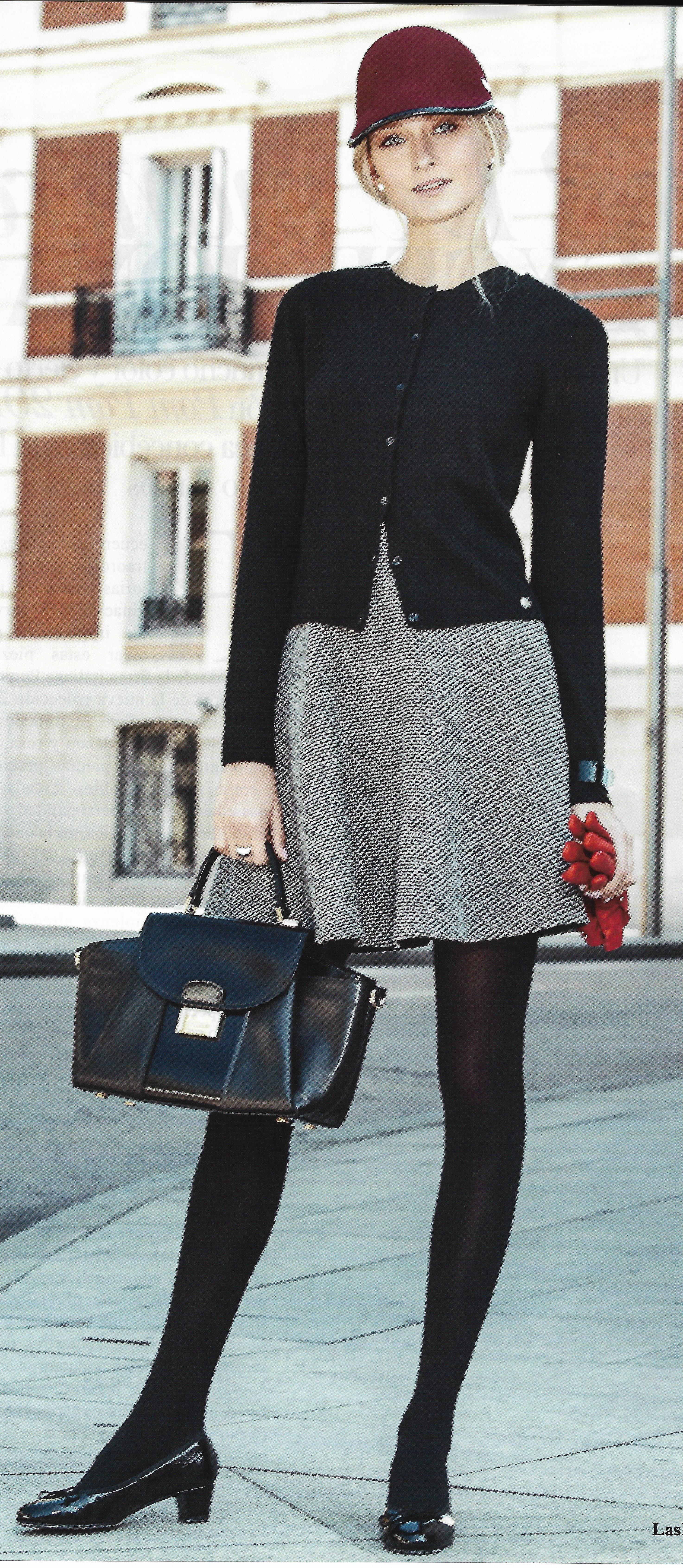 2d337e19c8 LOVING SIXTIES. Twin-Set de cashmere negro de LIU-JO  vestido con ...