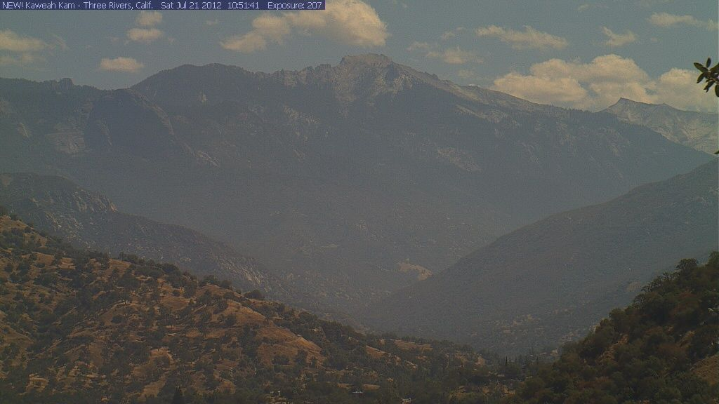 Live web cam of Three Rivers  and Sequoia National Park