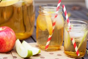 Apple Cider Sangria Recipe #applecidersangriarecipe