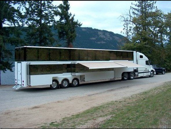 The Heat Is A 1 150 Square Foot Double Decker Motorhome Luxury Motorhomes Recreational Vehicles Luxury Rv