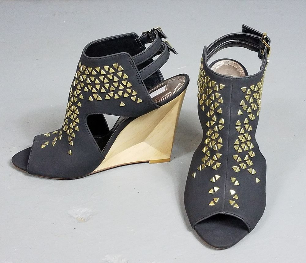 e448abd40dd Rachel Roy Lyndee Wedge Strappy Sandals high heel Studs Black Gold size 7.5  open