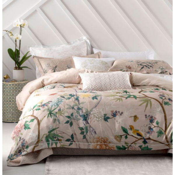 Linen House Kaili Blush Quilt Cover Set Bedding Bed Linen Exquisite In Its Seventeenth Century Inspire Quilt Cover Sets Quilt Cover Bedding And Curtain Sets