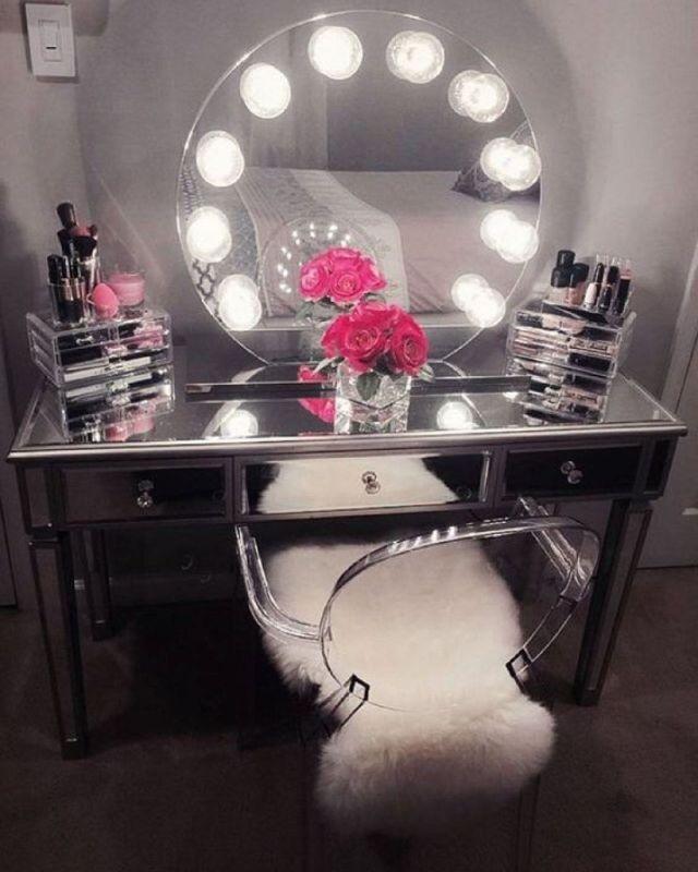 Best 43 Modern Makeup Vanity Ideas You Should Build Home 400 x 300