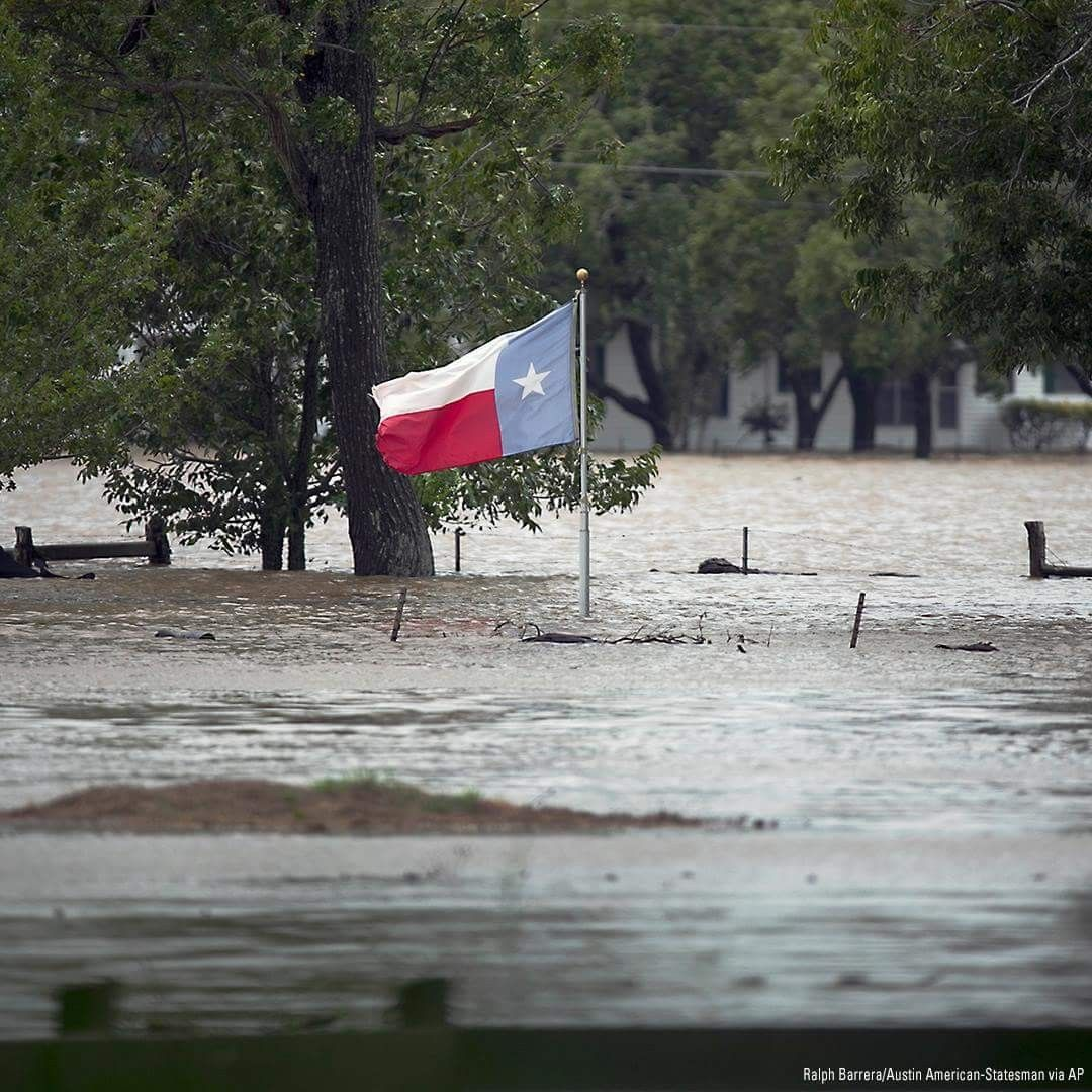 The Texas Flag Flies Over Floodwaters Caused By Hurricane Harvey In La Grange Texas 2017 Texas Hurricane Texas Views Texas Weather