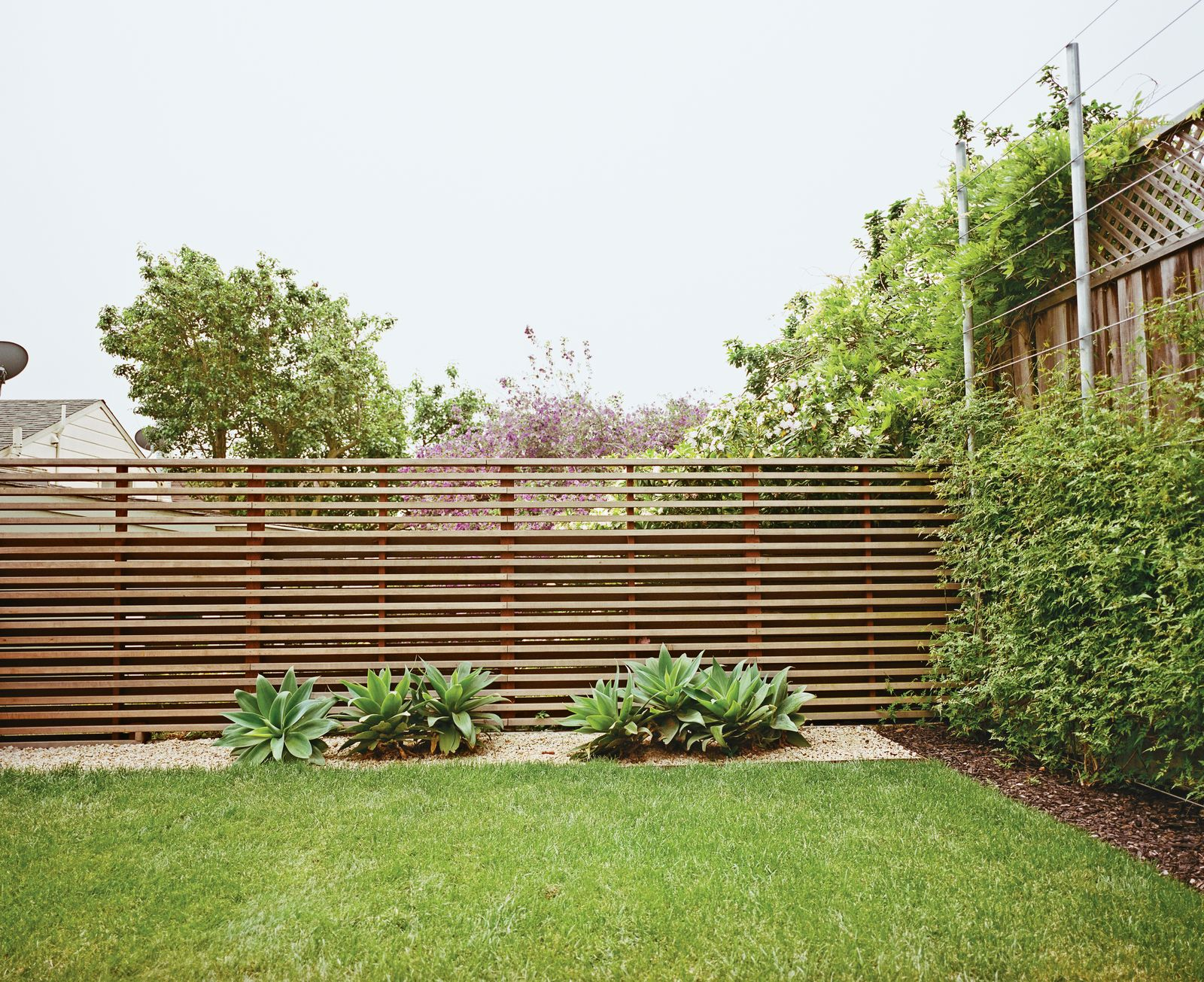 30 Best Modern Fences From A Two Part Landscaping 400 x 300