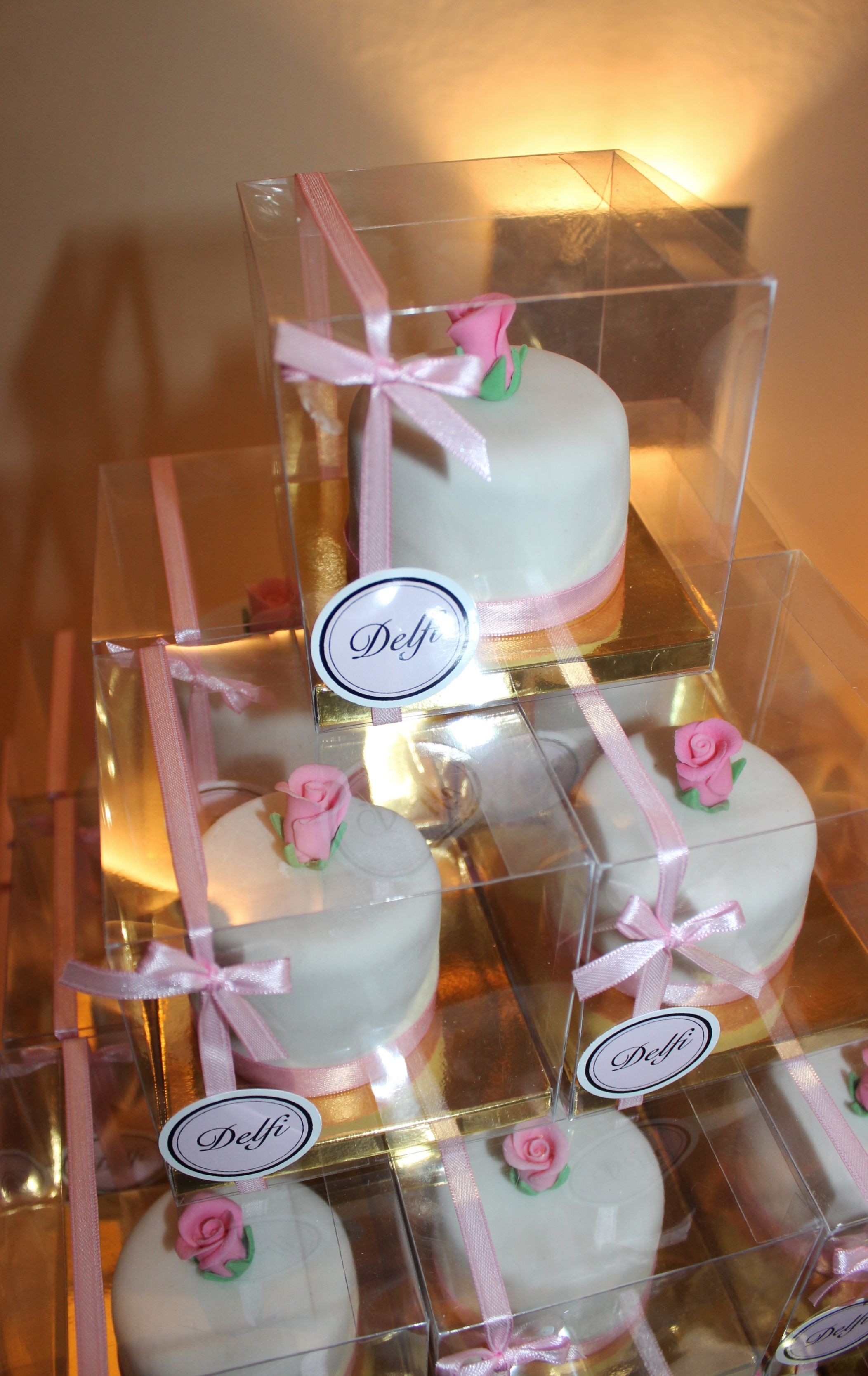 Sweet 16 Minicakes Souvenirs By Violeta Glace