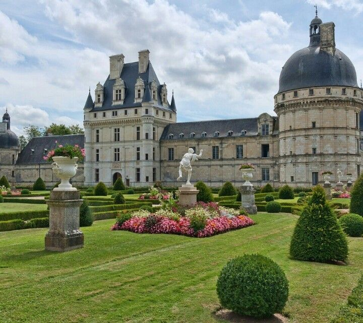 Château de Valençay, France ~ 2.5+ hr. drive S.W. of Paris - (235 km.) ~ 60 km. East of Amboise (1 hr. drive)