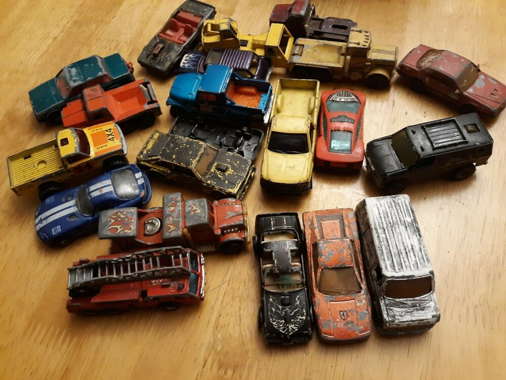 Hot Wheels Cars 20 Oldies Some Are Beat Up Hotwheels Hot Wheels