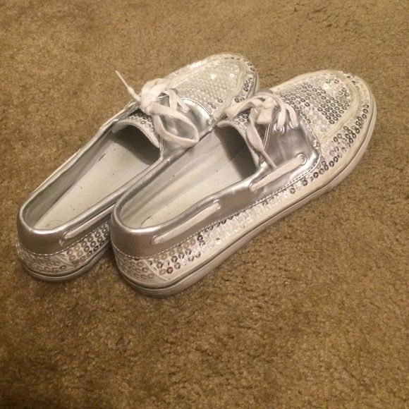 Sparkling Dexter shoes Size 9, sparkling Dexter shoes in great condition! Sperry Top-Sider Shoes Sneakers