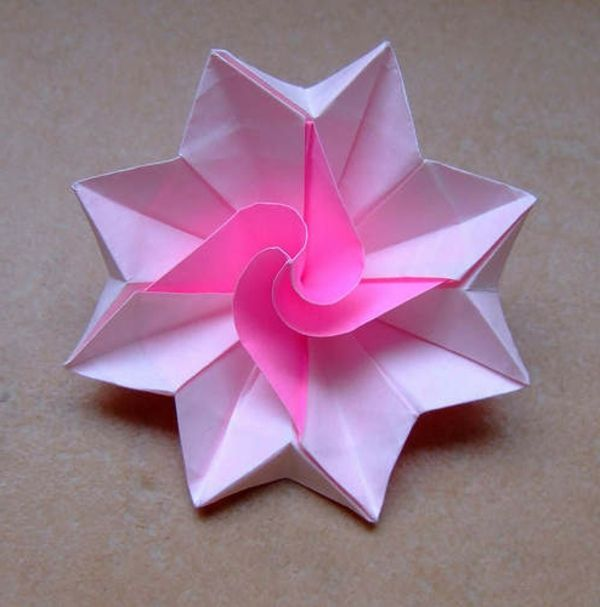 Un Origami Facile Fleur à Offrir Ou Pour Vous Amuser Tout En