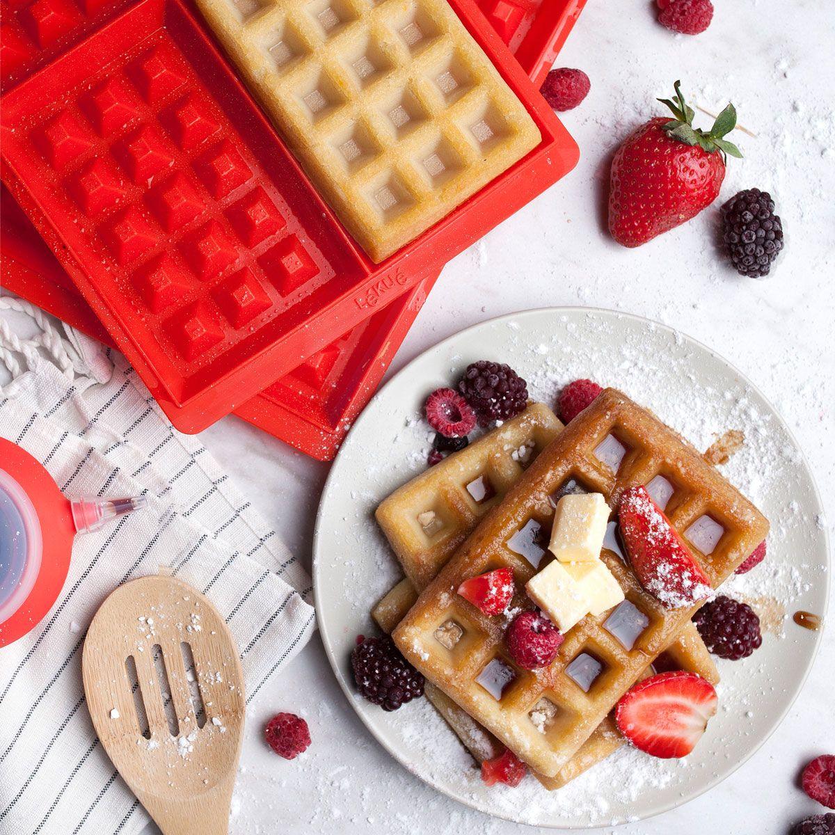 Pyszne, wiosenne połączenie - chrupiące gofry ze świeżymi owocami. #electrolux #electroluxpl #foodie #food #yummy #sweet #fruits #truskawki #omnomnom #dessert #gofry #słodkości #foodlovers #food #wiosna
