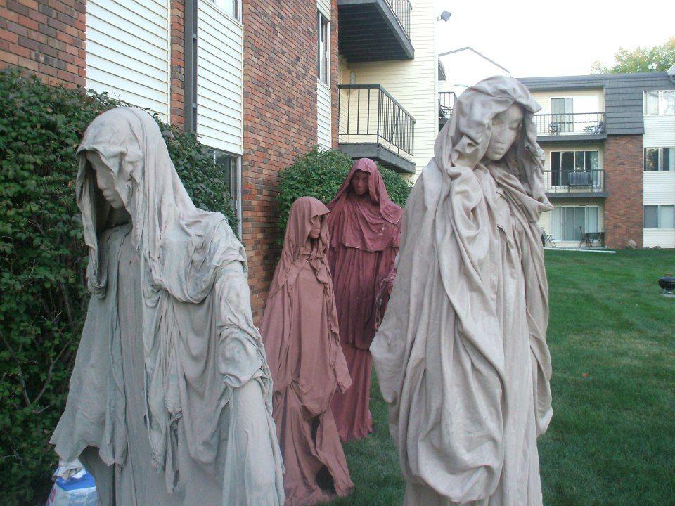 Halloween Statues - how to   myoutube/watch?v\u003d0N3FTLN0RX4 - how to make halloween decorations youtube