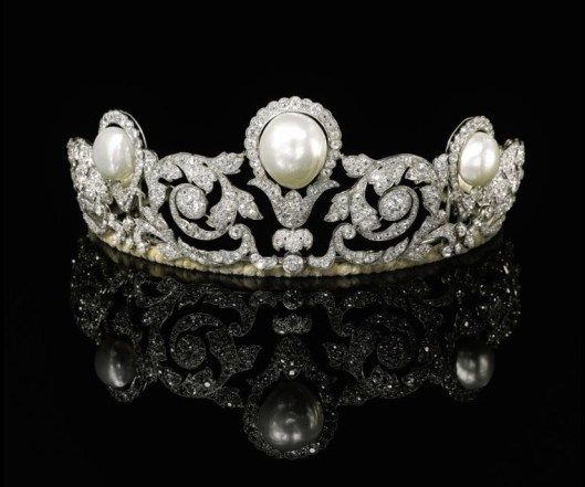 Murat Tiara created by Chaumet in 1920 for Prince Alexandre Murat on his marriage. It boasts one of the largest natural pearls every recorded. Auctioned in 2012 by Sotheby's.